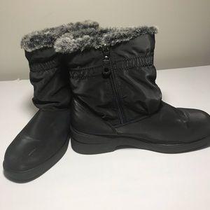 LONDON FOG WOMEN'S WINTER  BOOTS